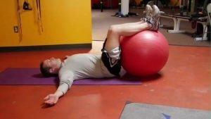 Abdominal Ball Twist